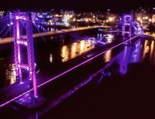 Violencia de género: solicitan iluminar de color violeta el Puente Colgante
