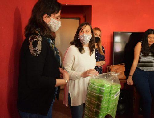 Santa Fe Capital ya entrega toallitas para las mujeres en los barrios