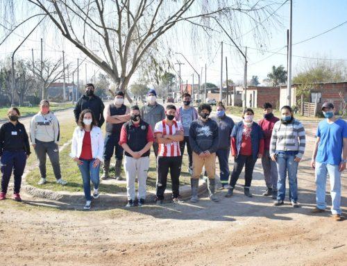 Vecinos unidos por la limpieza de barrio Los Troncos